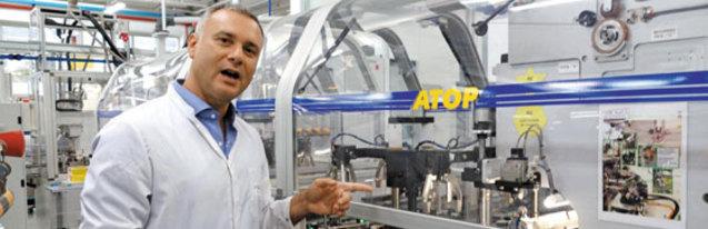 지난달 23일(현지 시각) 한온시스템이 최근 인수한 이탈리아 캄필리오네 공장에서 만난 다비데 아타르디 공장장
