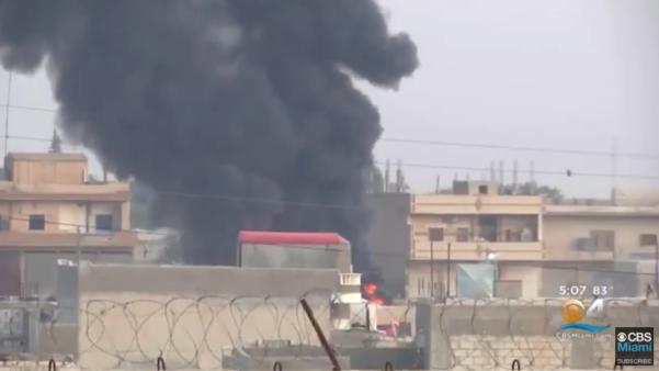 9일 터키군이 공습한 시리아 북부 지역에서 화염과 함께 검은 연기가 치솟고 있다. /CBS