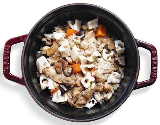 닭고기버섯연근밥