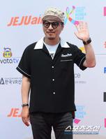 [포토] 봉만대 감독 '패션 센스 넘치죠?'