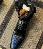 이스라엘, 아베 총리와 만찬서 '신발 디저트'…'외교 결례' 논란