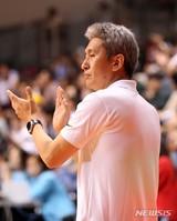 '라틀리프 41점' 男농구, 김상식 대행체제 월드컵 예선 2연승