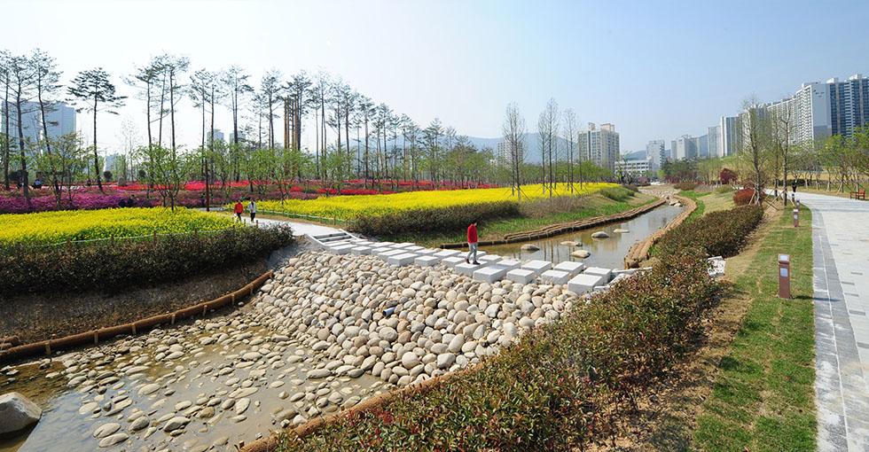 100년만에 돌아오다 부산시민공원