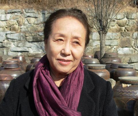 """김영주씨는""""김지하가 정치적으로 그렇게 휘말릴 줄은 꿈에도 생각지 못했다""""고 말했다. 원주 토지문화관=최보식 기자"""