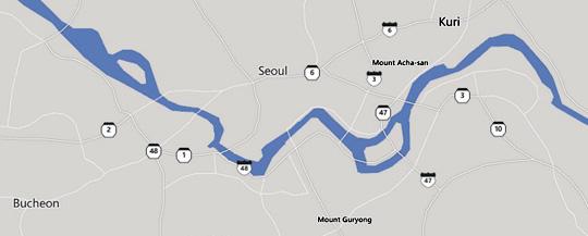 페이스북 지도 '빙맵'에 나타난 서울시내의 모습. 허허벌판이다. 잠실이 1971년 송파강 매립 이전의 섬으로 나와 있다. 난지도 역시 매립 이전의 모습이다. 강변북로, 올림픽대로 등 주요 도로의 모습도 보이지 않는다. 한강 다리는 8개뿐이다. /페이스북 '빙맵' 캡처