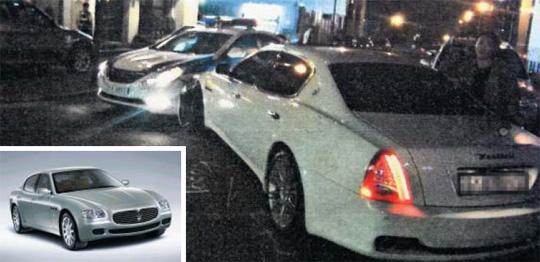 배우 이지아(35)씨가 탄 마세라티 콰트로 포르테 차량이 순찰차를 들이받은 사고 현장. 작은 사진은 사고 차량과 같은 모델. /강남경찰서 제공