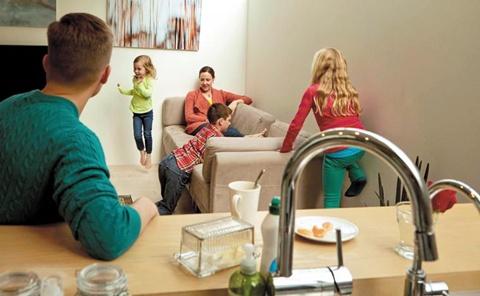 여행객들이 세계 곳곳의 빈 집(방)을 빌려 쓸 수 있도록 한 서비스 에어비앤비(airbnb).