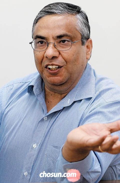 """라케시 아그라왈 박사는 """"교육·의료·스마트시티가 앞으로 빅데이터의 주요 활용 분야가 될 것""""이라고 했다."""