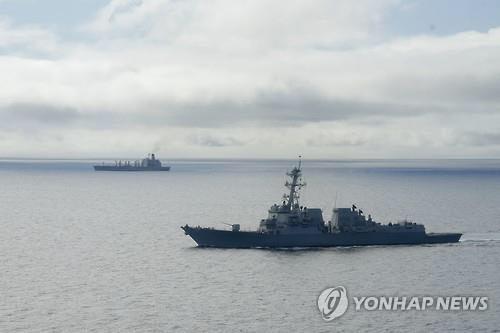 지난 1월 20일(현지시간) 미국 캘리포니아 코로나도 근해에서 미국 미사일 구축함인 'USS 윌리엄 P. 로런스'가 항해하는 모습./연합뉴스