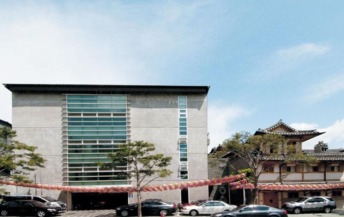 언제나 참선 정진하는 신도들이 끊이지 않는 서울