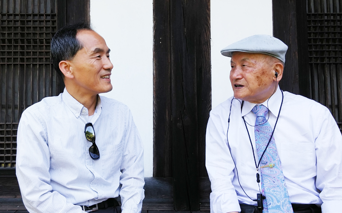 88세에도 대학 강의하는 '군사학 代父' 이종학 선생(오른쪽)