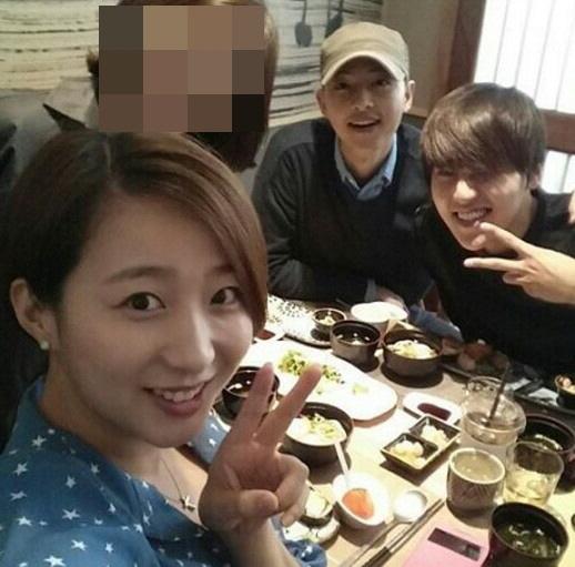 """""""다들 보고 싶다""""…송중기·류근지, 초등학교 동창 모임 - 조선 ..."""