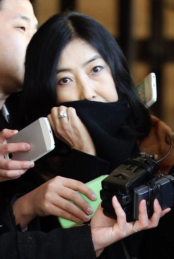 재미동포 신은미 씨가 피고발인 신분으로 2015년 1월 7일 서울중앙지검에 소환된 모습. /조선DB