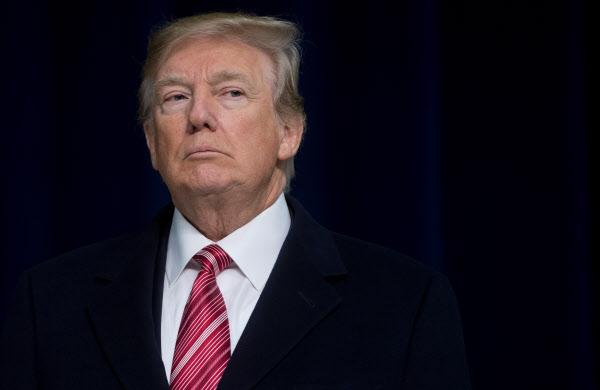 도널드 트럼프 미국 대통령이 6일 캠프 데이비드의 대통령 별장에서 가진 기자회견에서 발언하고 있다./AFP연합