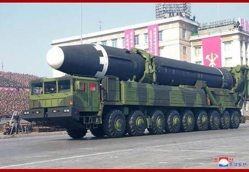 북한이 지난 2월 공개한 대륙간탄도미사일 화성 15형. /조선중앙통신