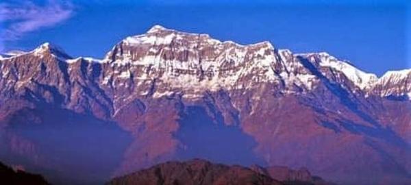 구르자히말은 히말라야 다울라기리 산무리의 봉우리 중 하나다. 높이는 7193m로, 산 남쪽에는 3000m 이상의 대암벽이 있다. /조진수 사진작가 제공