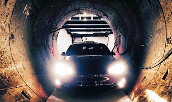 미국 전기차 업체 테슬라 창업자 일론 머스크가 미국 캘리포니아주(州) 로스앤젤레스(LA) 지하에 건설 중인 터널