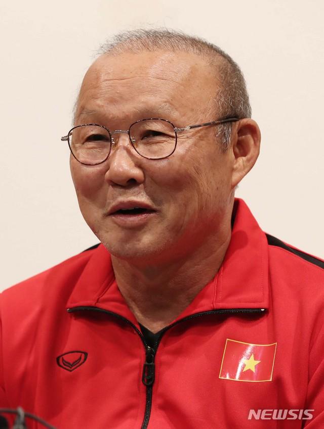 박항서 베트남 대표팀 감독, 파주 NFC에서 기자회견