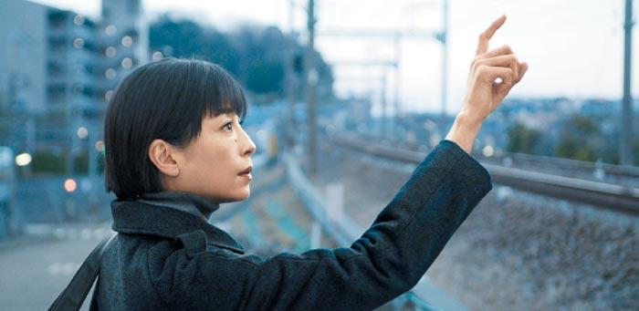 영화'종이달'의 한 장면.