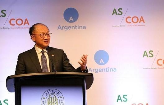김용 세계은행 총재가 2018년 11월 28일 아르헨티나에서 열린 주요 20국(G20) 정상회의에서 연설을 하고 있는 모습. /김용 트위터
