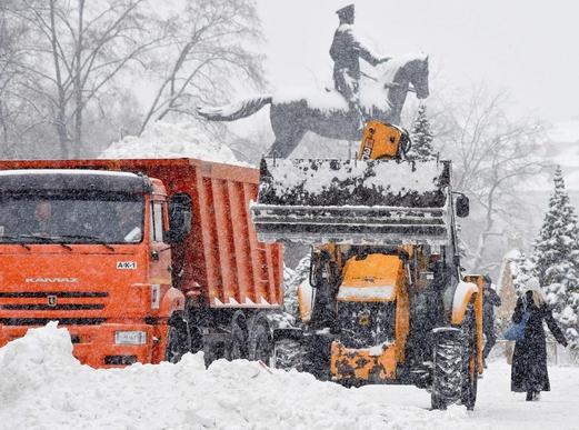 2019년 1월 27일 러시아 모스크바에 폭설이 내려 제설 작업이 진행되고 있다./ 연합뉴스