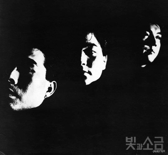 우리나라 시티팝의 원조 격인 노래'샴푸의 요정'이 수록돼 있는 빛과 소금의 1집 앨범.