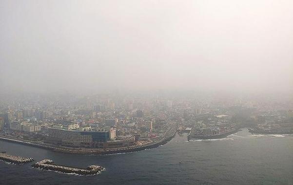 4일 오후 제주에 미세먼지 농도가 짙어 한라산이 보이지 않는다. /연합뉴스