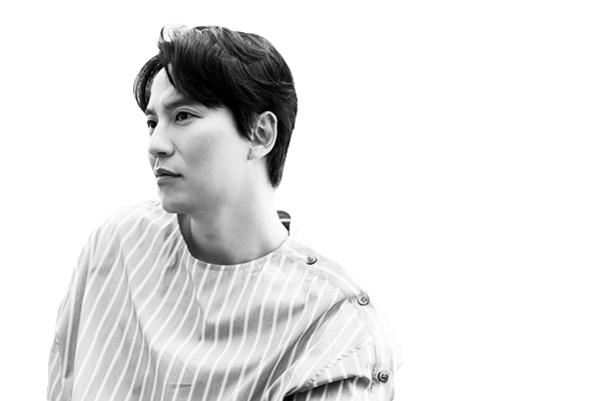 배우이자 문화예술 NGO 길 스토리의 대표이기도 한 김남길의 카리스마 넘치는 표정.