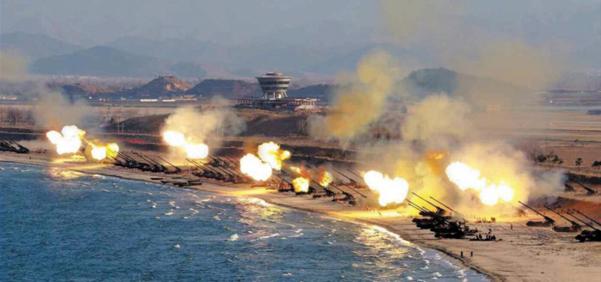 2016년 3월 24일 강원도 원산 일대에서 실시한 북한군의 장사정포 화력 훈련./노동신문