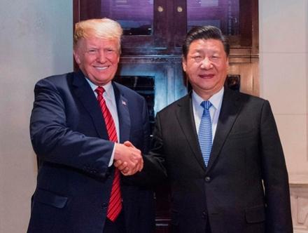 도널드 트럼프 미국 대통령(왼쪽)과 시진핑 중국 국가주석. /신화망