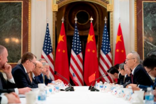 로버트 라이트하이저 미국 무역대표부(USTR) 대표와 류허 중국 부총리가 이끄는 미·중 대표단이 2019년 2월 21일 미 백악관에서 고위급 협상을 하고 있다. /USTR