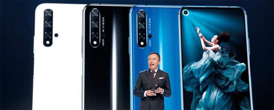美 공격에도… 화웨이, 런던서 구글OS 탑재한 새 스마트폰 출시 - 중국 화웨이의 중저가폰 브랜드인 아너(Honor)의 조지 자오 사장이 21일(현지 시각) 영국 런던에서 신제품 '아너20' 라인업을 선보이고 있다. 아너20은 구글의 안드로이드 운영체제(OS)를 탑재한 화웨이의 중저가폰이다. 미국은 최근 한국 정부와 국내 기업들에도 중국 화웨이에 대한 제재에 동참할 것을 요구한 것으로 알려졌다.