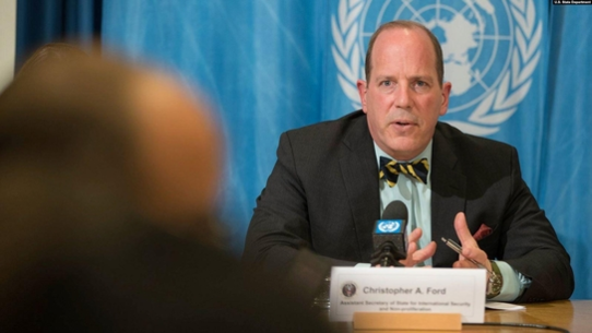 크리스토퍼 포드 미 국무부 국제안보·비확산 담당 차관보가 2019년 3월 26일 스위스 제네바 유엔본부에서 기자회견을 하고 있다. /VOA