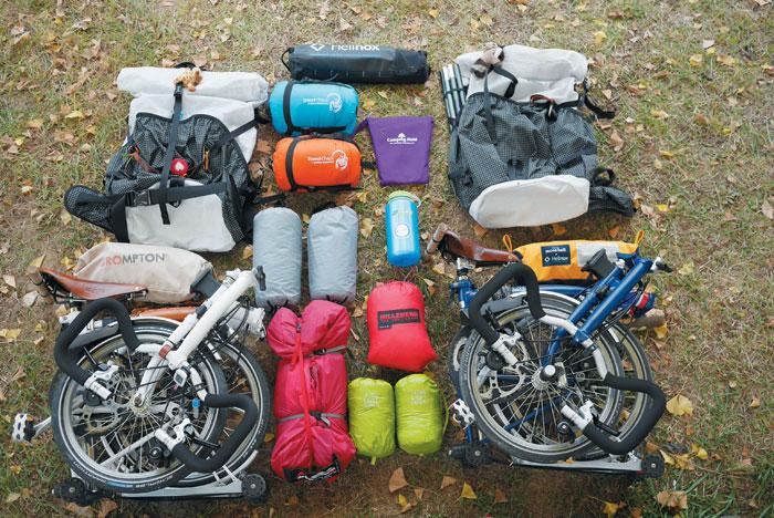 '간소' '경량'이 핵심인 자전거 캠핑 준비물.