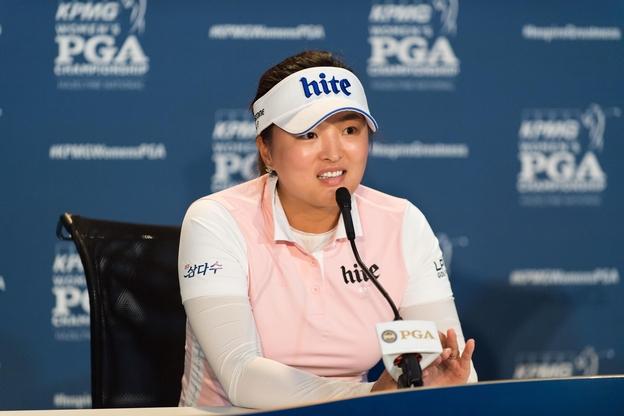 고진영이 18일(현지 시각) 미국 미네소타주 채스카의 헤이즐틴 내셔널 골프클럽에서 열린 KPMG 여자 PGA 챔피언십 공식 기자회견에 참석해 취재진 질문에 답변하고 있다. /연합뉴스 제공