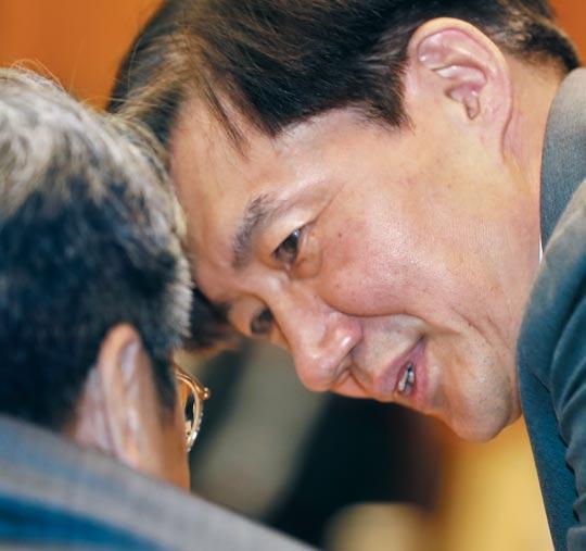 지난 20일 청와대에서 열린 제4차 반부패 정책협의회에 참석한 조 수석.