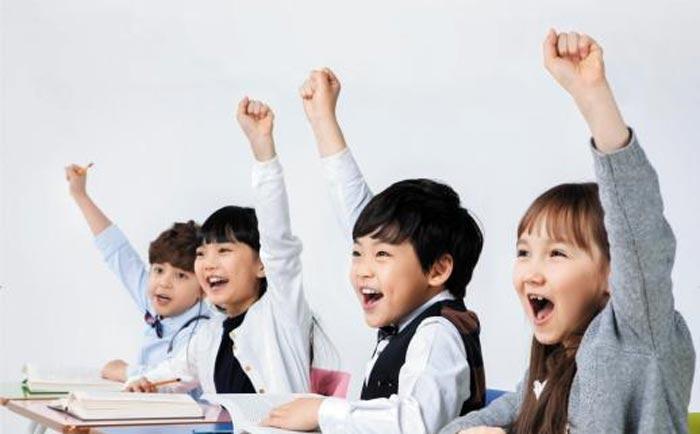 여름방학을 앞두고 자녀의 국어 실력을 높여주는 독서 활용법에 관심을 두는 부모들이 많아졌다.