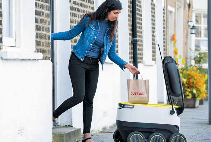 에스토니아를 대표하는 기술 기업 '스카이프(Skype)'의 창업자들이 다시 뭉쳐 새로 만든 회사(스타십 테크놀로지스)가 개발한 자동 배달 로봇 '스타십'.