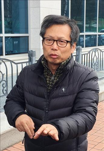 2016년 1심 선고 뒤 입장을 밝히는 배우 이상희씨. /연합뉴스