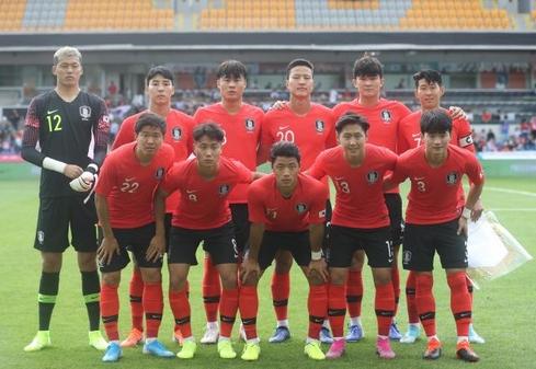 터키 이스탄불에서 축구 대표팀의 단체사진./연합뉴스
