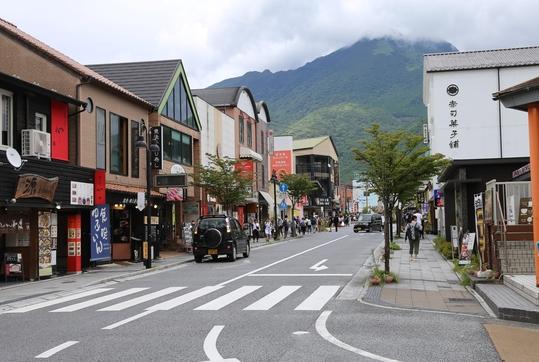 한국의 일본 여행 불매 운동으로 인해 지난 8월 13일 일본 온천마을 유후인(湯布院) 거리에 관광객이 끊겨 한산한 모습이다. /연합뉴스