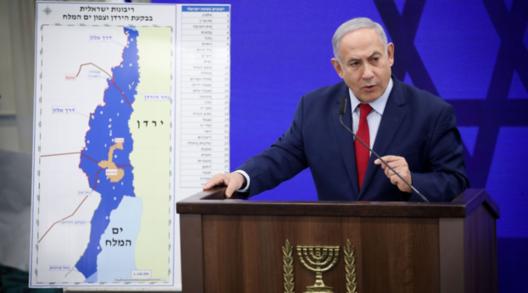베냐민 네타냐후 이스라엘 총리가 지난 10일(현지 시각) 이스라엘 방송에서 기자회견을 하고 있다. /연합뉴스