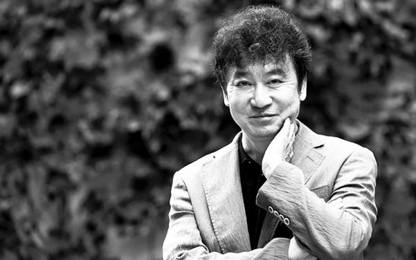 그의 문제 의식은 한국 사회가 어떻게 하면 보다 나은 사회가 될 수 있을 것인가다. 과감한 주제와 속도감 있는 문체로 독자들을 빨아들인다. /사진=김지호 기자