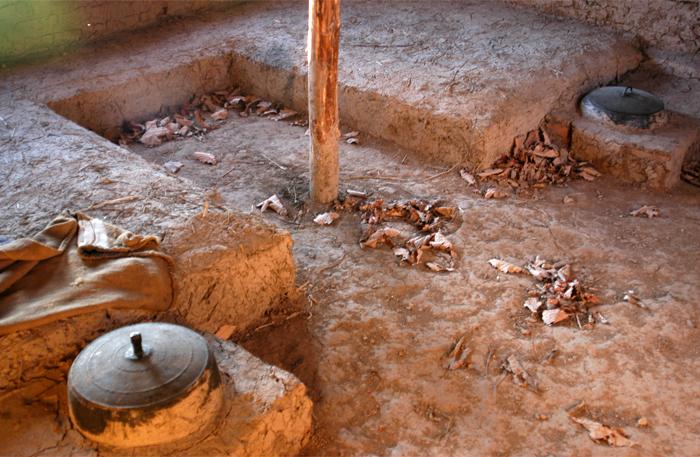 고구려 오녀산성에서 4세기 말~5세기 초 사용된 ㄷ자형 쪽구들(복원). 당시 온돌은 하층민과 변경의 병사들이 애용했다.