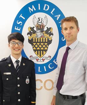 '청년 경찰' 장만평(왼쪽) 경위가 지난달 말 영국 버밍엄 웨스트미들랜즈 경찰 본부에서 범죄 예측 시스템 개발 담당인 닉 데일 경정과 만났다.