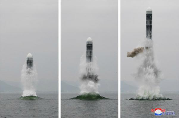 북한이 지난 2일 신형 잠수함발사탄도미사일(SLBM) '북극성-3형'을 성공적으로 시험발사했다고 조선중앙통신이 3일 보도했다. 사진은 중앙통신 홈페이지에 공개된 북극성-3형 발사 모습. /연합뉴스·조선중앙통신