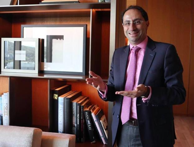 호세 마뉴엘 레스트레포 콜롬비아 통상산업부 장관이 서울 장충동 신라호텔 23층 라운지에서 콜롬비아의 경제 정책에 대해 설명하고 있다.  /이용성