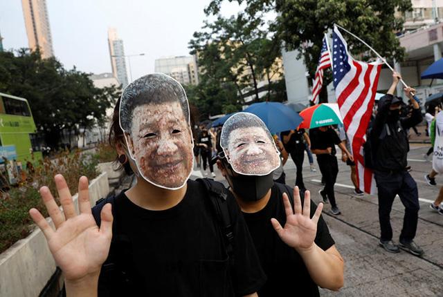 시진핑 중국 국가주석 가면을 쓴 시위참가자 /로이터=연합뉴스