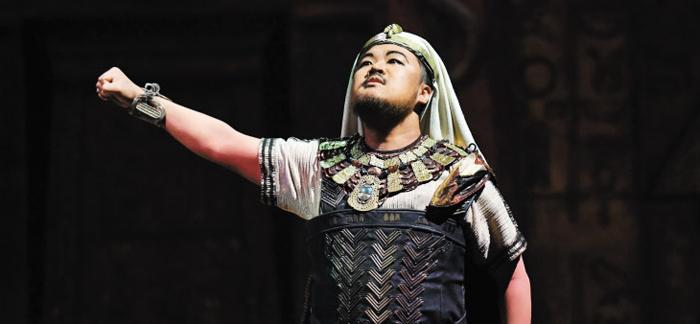 이탈리아 부세토 극장서 올린 '아이다'에 이집트 장군 라다메스로 나선 테너 이범주. 풍성한 음량과 강렬한 연기로 베르디 본고장에서 호평받았다.