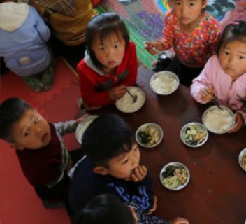 WFP의 영양 지원을 받은 북한의 어린이들./WFP 홈페이지 캡처